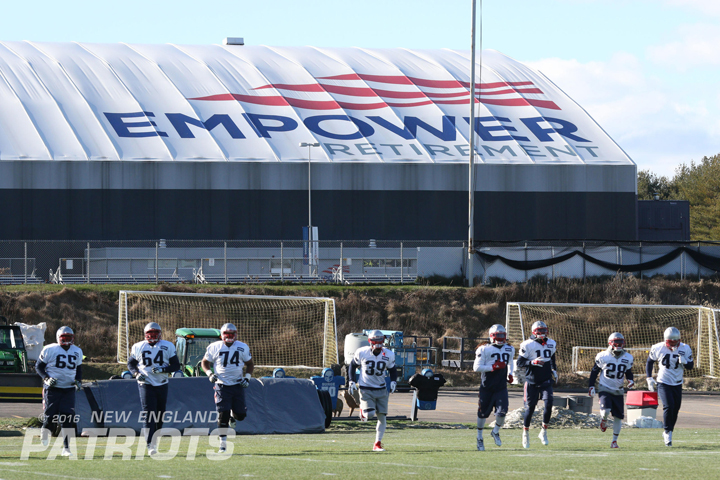 Steven and his teammates prepare for the Chiefs (New England Patriots photo).