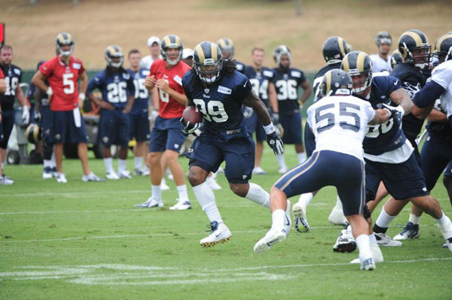 Steven takes a handoff off right tackle during training camp at Rams Park  (Getty Images).