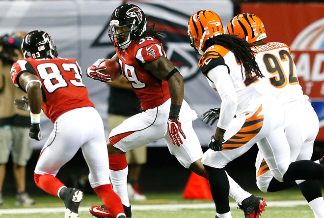 SJ has five carries and a reception in his unofficial Falcons debut (Getty Images).