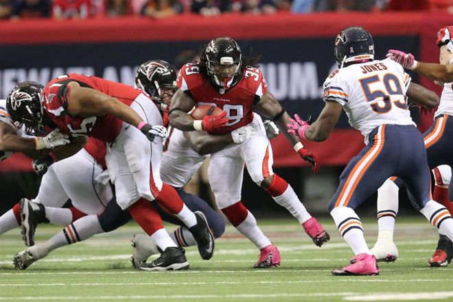 Room to run was hard to find for all four of Atlanta's runners (Atlanta Falcons Photo).