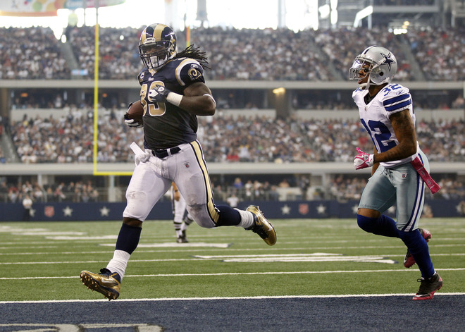 Steven Jackson glides into the end zone on a six-yard scoring run Sunday afternoon in Dallas (Getty Images).