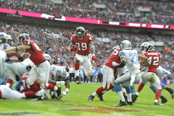 Steven became the 19th NFL running back with 11,000 career rushing yards and shortly thereafter scored a touchdown.