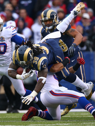 S-Jax drives forward for precious yards (Getty Images).