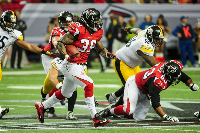 Steven's 12-yard run on the first Falcons drive of the day moved him into 16th on the NFL's all-time rushing list.