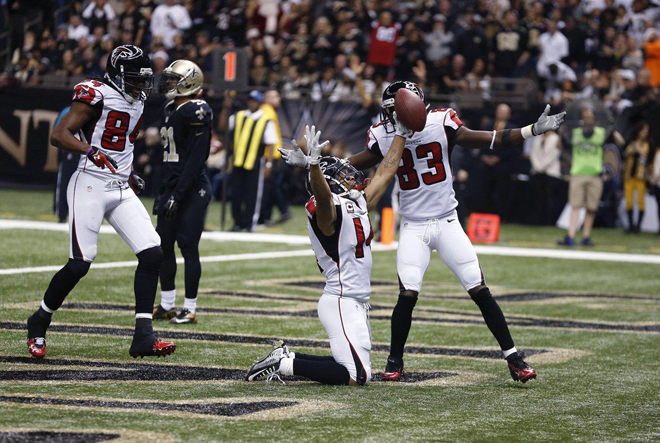 A touchdown by Eric Weems with three seconds left in the first half put the Falcons in front for good (Atlanta Falcons photo).