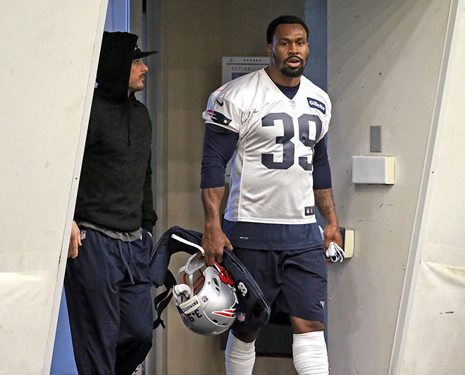 Steven took the field alongside former Rams teammate Danny Amendola on Tuesday.