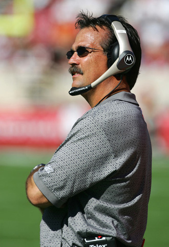 Jeff Fisher is the new Rams head coach.