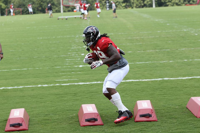 Steven participates in drills at practice prior to his injury (Atlanta Falcons photo).