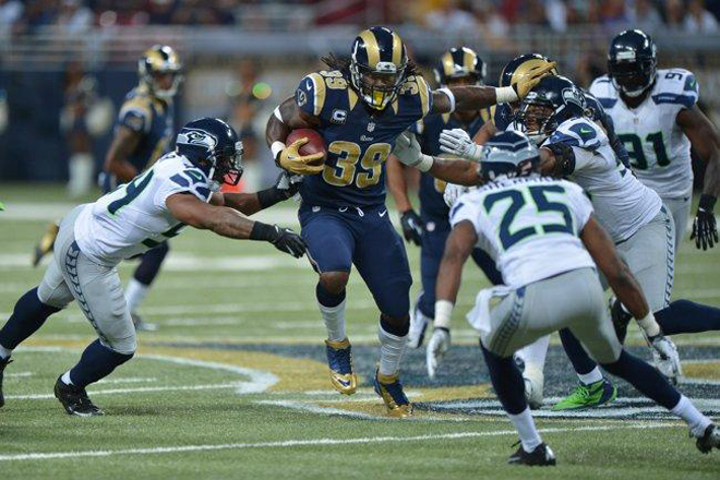 The success of the passing attempt has opened some holes for me and allowed me to stay patient (St. Louis Rams photo).